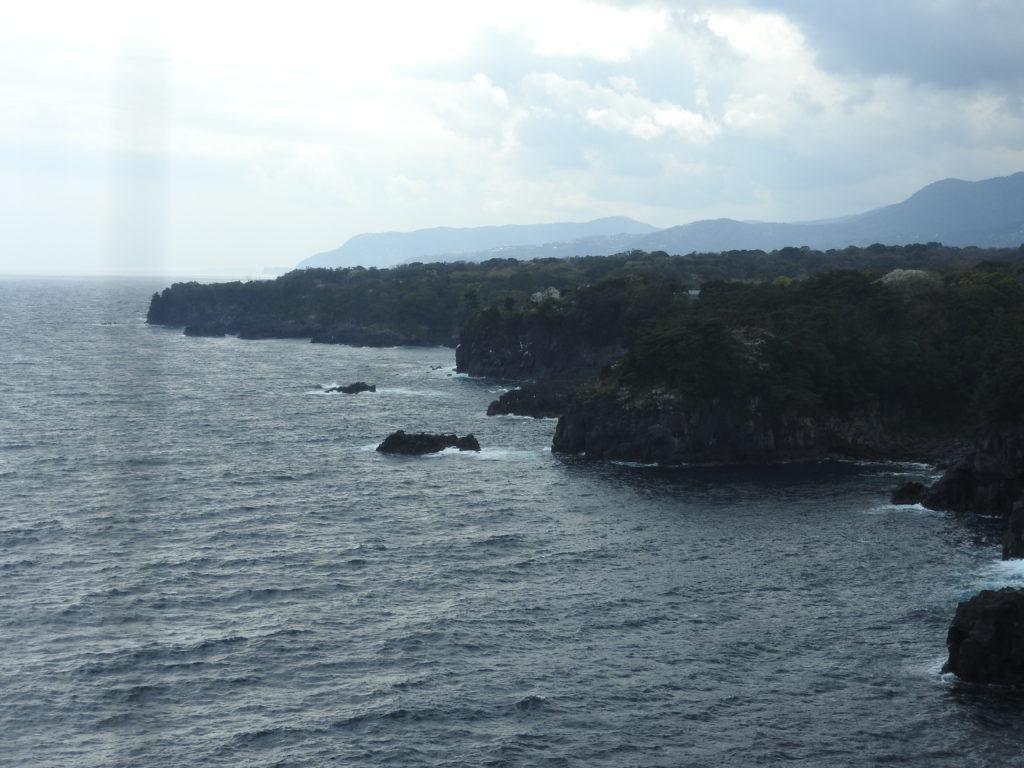 城ヶ崎海岸灯台から南側