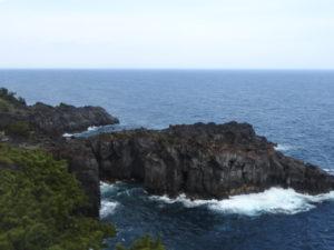 城ヶ崎海岸灯台から北側