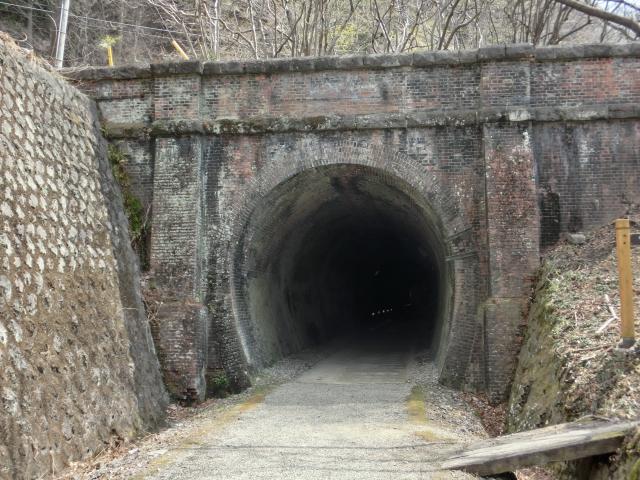 碓氷峠アプトの道トンネル