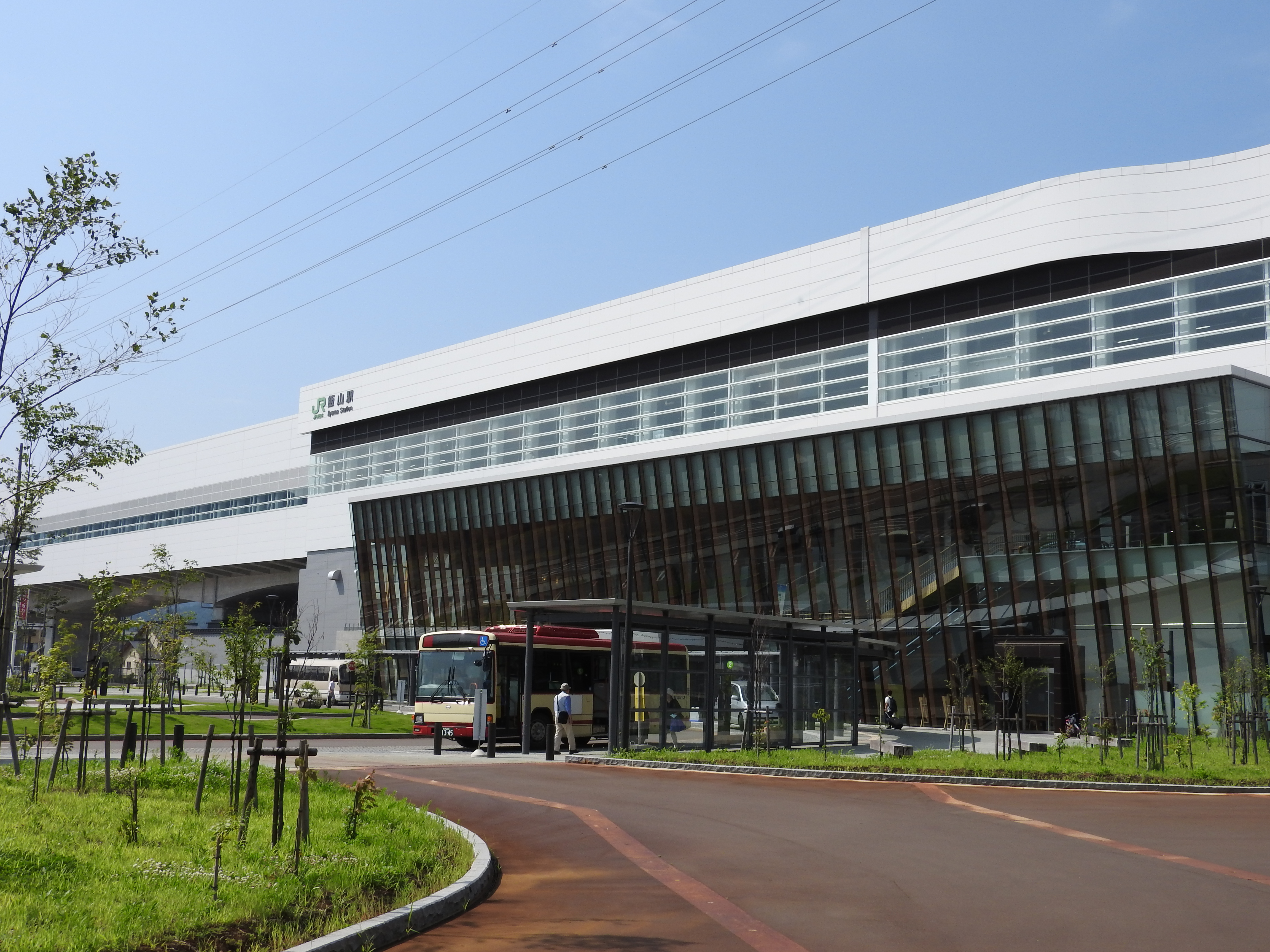 北陸新幹線飯山駅舎