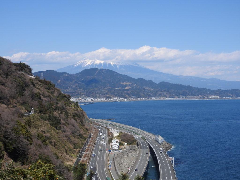 由比駅から徒歩40分で薩埵峠から絶景の富士山