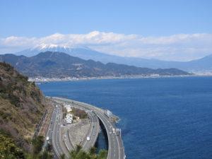 薩埵峠 肝心の富士山雲に隠れていますけど