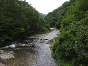 吹割の滝上流