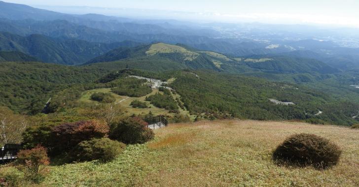 小丸山展望台から霧降高原レストハウス