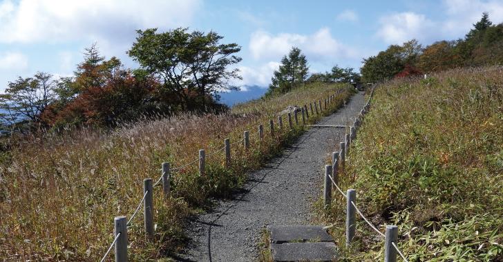 霧降高原小丸山展望台への遊歩道